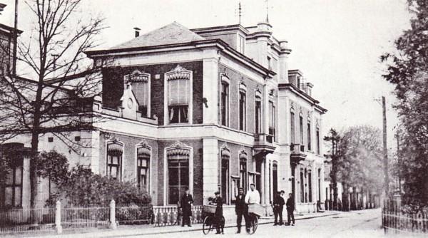 Eerste gemeentehuis Baarn