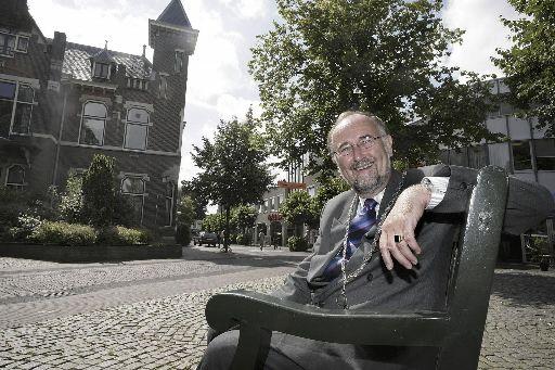Baarnse burgemeester Jan de Groot overleden