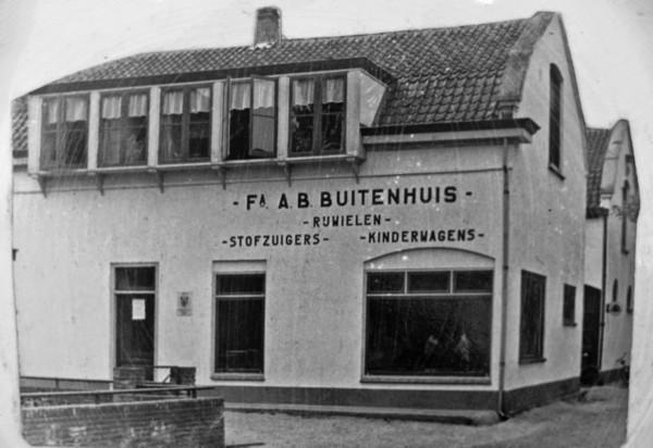 A.B. Buitenhuis opent fietshandel