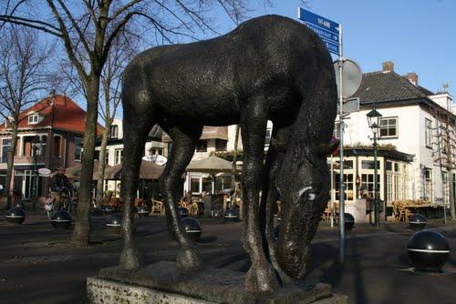 De Brink in Baarn krijgt drinkend paard