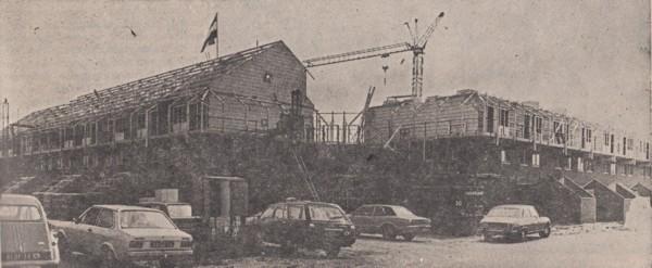 De bouw van woningen aan de Dovenetelhof in Baarn