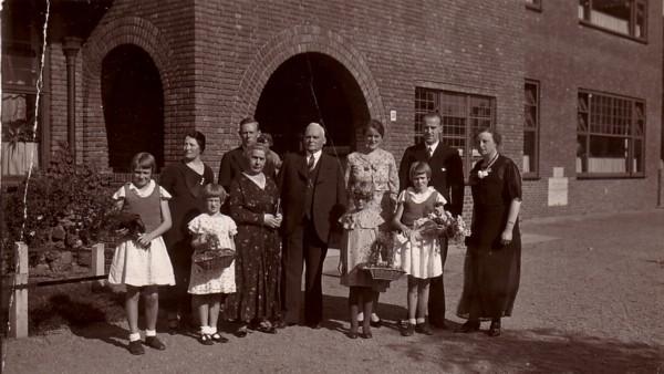 De openbare school aan de Eemnesserweg omgedoopt tot Julianaschool
