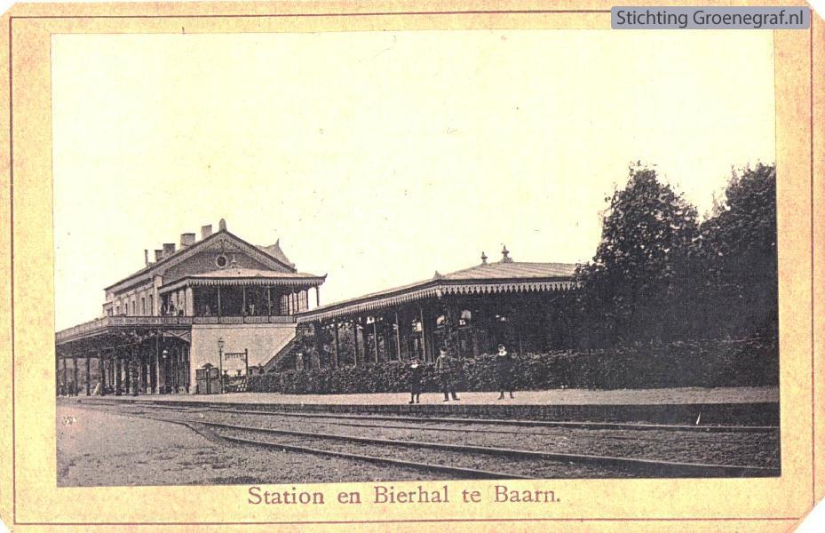 Wie, Wat, Waar: De Bierhal, Stationsplein Baarn